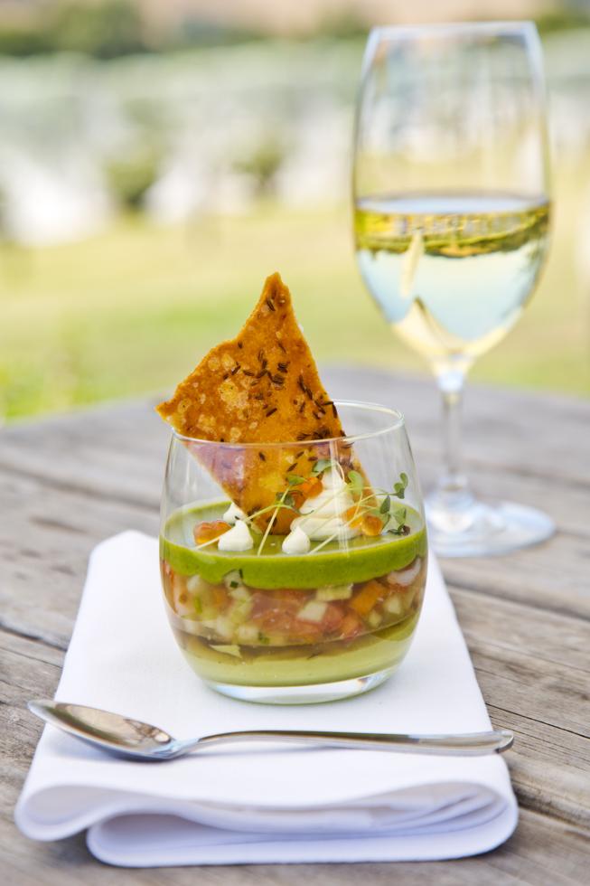 Chilled Wesern Australian prawns, cucumber, watercress, shellfish jely, avocado moussee, Restaurant, Kellerei Montalto, Mornington Peninsula, Australien