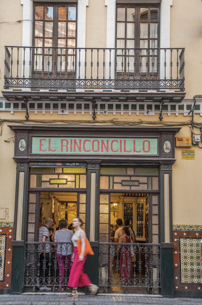 Spanien, Andalusien, Provinz Sevilla, Sevilla, Tapas Bar El Rinconcillo: eine der ältesten Tapa Bars in Sevilla