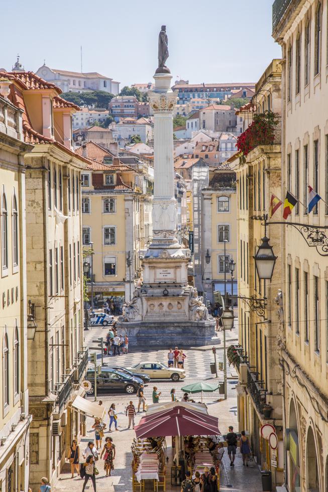 Portugal, Lissabon, Baixa Viertel, Blick von der Calcada do Carmo auf den Praca Dom Pedro IV/Rossio
