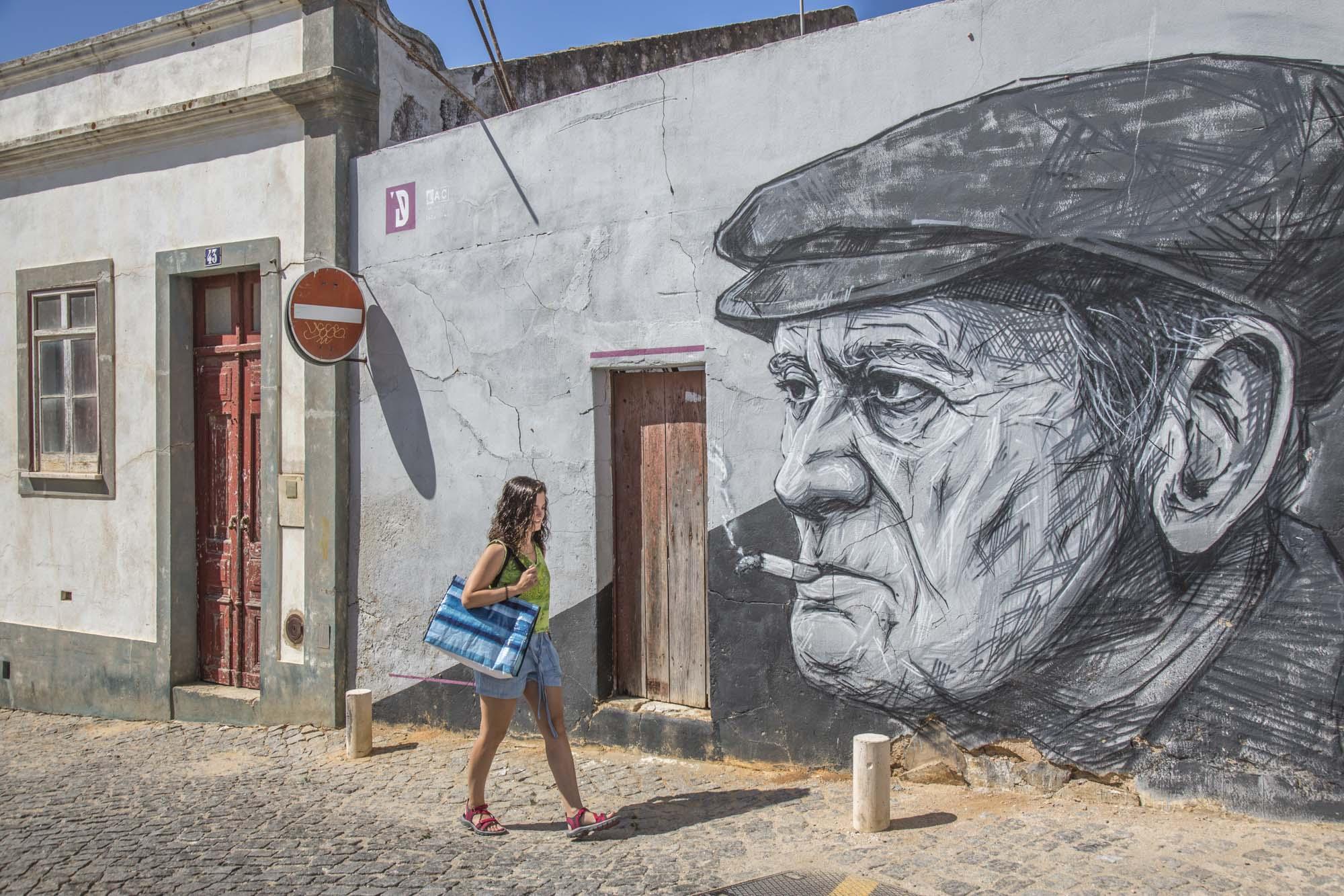 Portugal, Algarve, Atlantikküste, Lagos, Graffiti, Wandmalerei, Altstadt, Fischerman