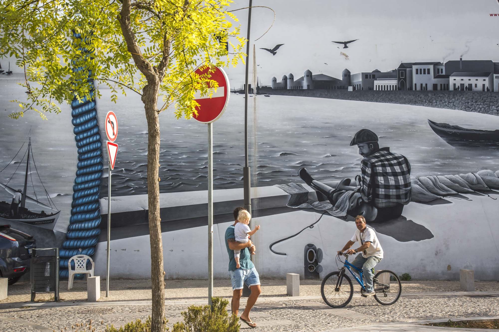 Portugal, Algarve, Olhão, Graffiti, Wandmalerei, Fischerdorf Motive