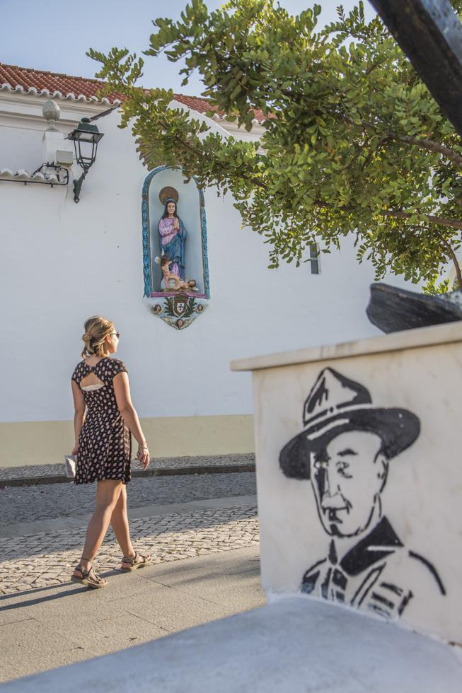 Portugal, Algarve, Atlantikküste, Ferragudo, Igreja de Nossa Senhora da Conceição, Marienstatue