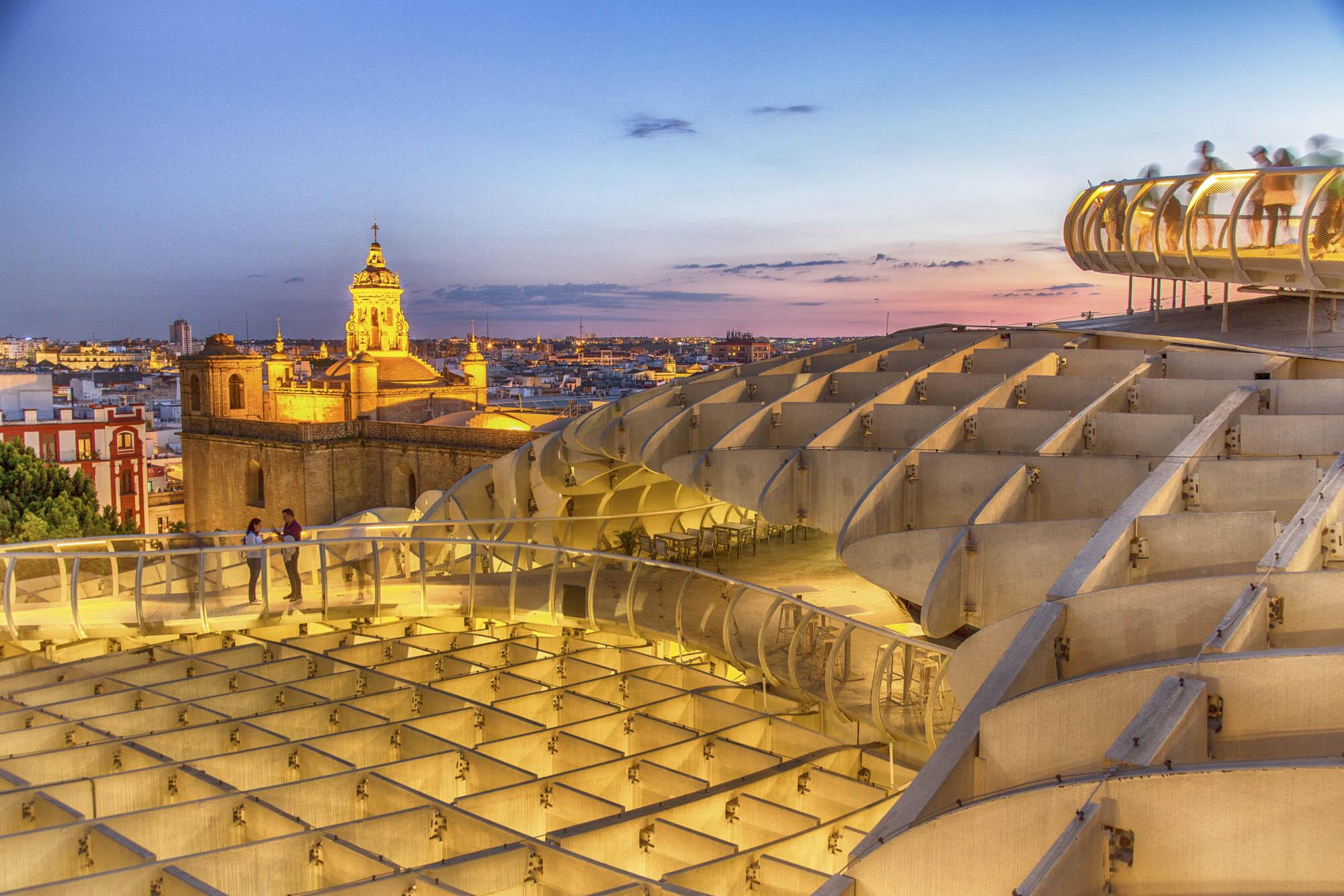 Spanien, Andalusien, Provinz Sevilla, Sevilla, Plaza de la Encarnacion, Aussichtsplatform auf dem Metropol Parasol. Architekt Jürgen Mayer H.